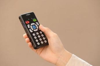 【製品写真】携帯型デイジー録音作成機 プレクストークリンクポケット